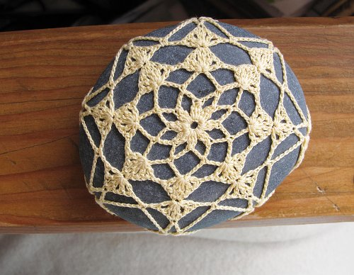 crochet covered stone by Margaret Oomen